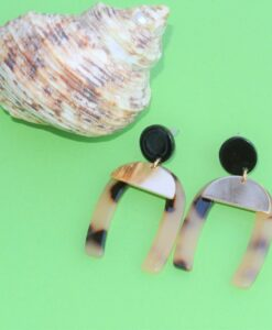 big metal london horseshoe beige resin metal stud earrings