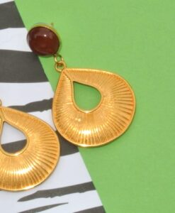 Evelynsdottir - Gold plated stud earrings with carnelian stone and elegant gold plated drop in stripy look