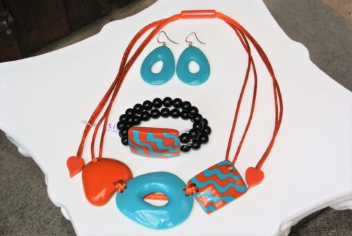 Zsiska Set – Acapullco beautiful adjustable designer resin statement necklace + elasticated bracelet, 1 big resin bead, size L + statement resin drop earrings turquoise