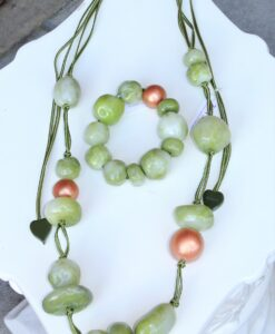 Zsiska – super chic, statement, adjustable green resin necklace, green/copper + elasticated, beaded statement bracelet, green/copper, size M