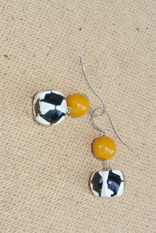 ZSISKA Audrey houndstooth round resin earrings yellow